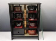 茶碗と飾り棚
