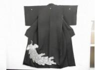 黒留袖 孔雀の刺繍